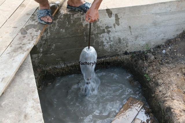 Как сделать скважину для воды вручную 7
