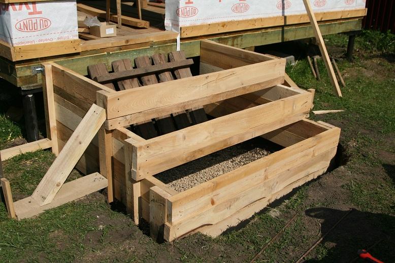 Установка опалубки бетонной лестницы