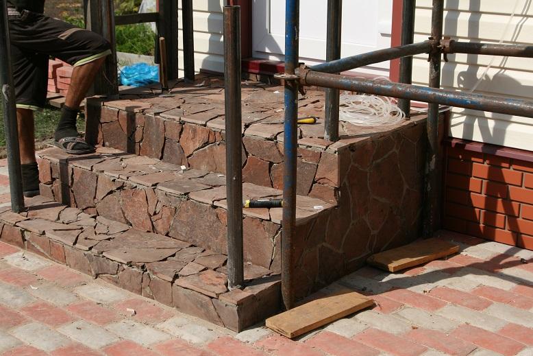 Облицовка бетонной лестницы камнем